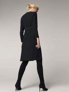 BLACK DRESS WITH PLEATED CUFFS - Women - Massimo Dutti