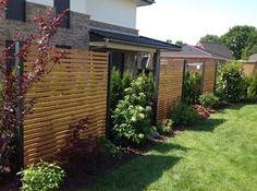 Design Sichtschutz halbdurchlässig aus Metall Holz Sibirische Lärche für Garten