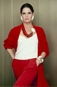 Ali MacGraws Style Evolution (PHOTOS) 1984 Loved her look when I was younger