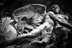 Angel Statue (Le Messager) by Tiquetonne2067, via Flickr