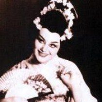 "Maria Bieşu in the party of Cio-Cio San (Butterfly) in the Opera ""Madama Butterfly"" by Giacomo Puccini. Мария Биешу в партии Чио-Чио-сан (Баттерфляй) в опере «Мадам Баттерфляй» Джакомо Пуччини."