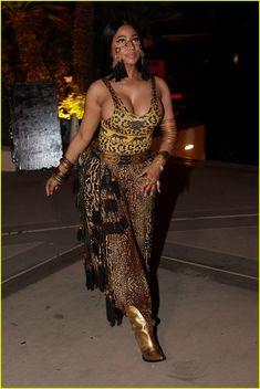 Kylie Jenner & Nicki Minaj Almost Kiss at Coachella Party (Video) | kylie jenner nicki minaj tao revolve party 02 - Photo
