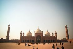 Badshahi Mosque by Zainab M. Photography / 500px
