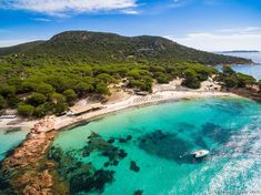 Plages de Corse : Classement 2020 [TOP 15] | Détours en France Destinations D'europe, Porto Vecchio, Exotic Places, French Countryside, Mediterranean Sea, Beautiful Places, Places To Visit, Adventure, Landscape