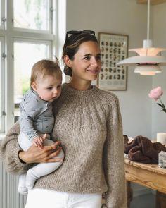 Chunky Knitwear, Hand Knitting, Knit Crochet, Autumn Fashion, Turtle Neck, Stitch, Female, Sewing, Womens Fashion