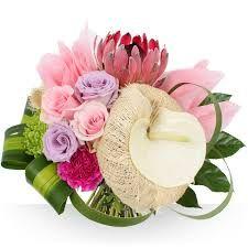 """Résultat de recherche d'images pour """"bouquet de fleurs mariage avec muguet et pivoine"""""""