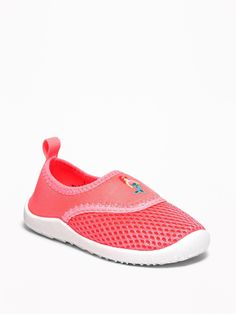 Old Navy Mermaid-Graphic Mesh Water Shoes for Toddler Girls Rothys Shoes, Kid Shoes, Girls Shoes, Baby Shoes, Toddler Boy Fashion, Toddler Girl Outfits, Toddler Shoes, Toddler Girls, Mermaid Shoes