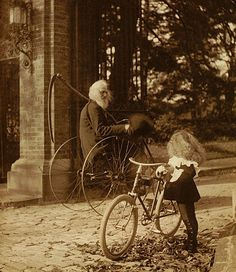 Father Time - UK, circa Not sure where else to put this. Great image tho, Vintage photo bearded man riding bicycle with scythe like grim / grimm reapers, and little girl on bicycle looking Velo Retro, Velo Vintage, Vintage Bicycles, Vintage Style, Vintage Pictures, Old Pictures, Old Photos, Freund Hein, Images Terrifiantes