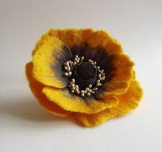 Felted Flower Brooch Hair Clip Wool Felt Jewelry Dark Yellow And Grey Poppy A Little Bit Different Poppy Gefilzte Blumen Blumen Lichter Und Blumen