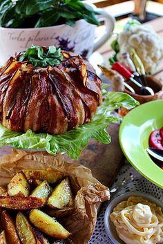 Illéskrisz Konyhája: ~ KARFIOL-BOMBA ~ Hungarian Recipes, Hungarian Food, Steak, Food And Drink, Pork, Health Fitness, Healthy Eating, Bacon, Beef