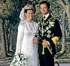 Queen Sylvia and King Carl Gustaf of Sweden on their wedding day 19 June 1976. She wears Empress Josephine's Cameo Tiara.