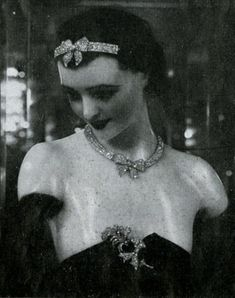 A diamond bow bandeau, designed by Coco Chanel, 1932.