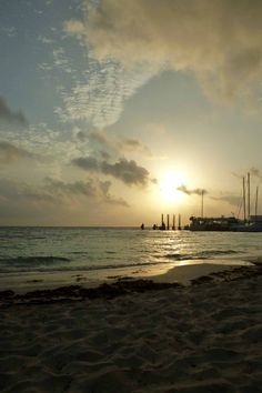 Playa Tortugas al amanecer.  Cancún, Quintana Roo, México.  Subtle Worlds  by Diana Westrup.  http://dianawestrup.wordpress.com