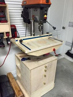 Drill Press Table with repositioned lock and lift handles - by Rayne @ ~ woodworking community
