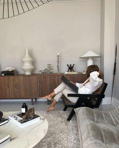Room Ideas Bedroom, Room Decor, Parisian Decor, White Paneling, Interior Design Inspiration, Decoration, Interior Architecture, Home Furniture, New Homes