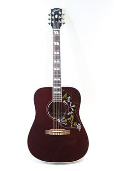 Gibson Hummingbird Standard Wine Red (2013) : Monthly Limited Run. Spruce top, Mahogany back & sides.