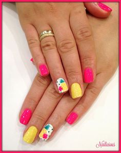 Fuchsia nails with pineapple design beach nails, hawaii nails, pineapple design, summer vacation Fancy Nails, Pink Nails, Pretty Nails, Yellow Nails, Beach Nail Designs, Toe Nail Designs, Summer Nail Designs, Fingernail Designs, Art Designs