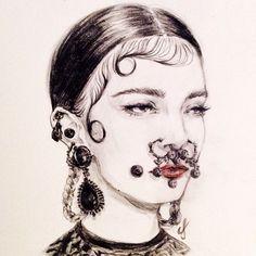 ♥️ #givenchy @givenchyofficial @riccardotisci17 @patmcgrathreal #jewelry…