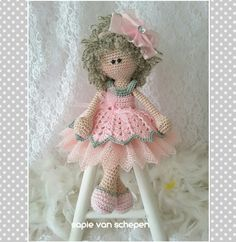Benedict en,  kooppatroon van Marygurumi en wat van mezelf https://www.etsy.com/nl/listing/483586193/patroon-patroon-tutorial-haak-doll-muis
