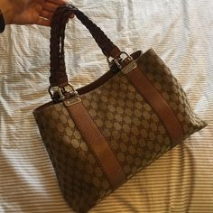 GUCCI purse In good condition Gucci Bags Hobos