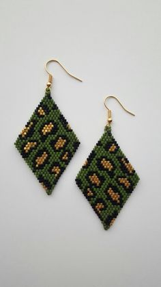 You are in the right place about crochet earrings etsy Here we offer you the most beautiful pictures about the crochet earrings big you are. Beaded Earrings Patterns, Seed Bead Patterns, Diy Earrings, Beading Patterns, Crochet Earrings, Bead Jewellery, Seed Bead Jewelry, Seed Bead Earrings, Bead Earrings
