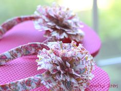 Decorate Flip Flops with Duct Tape!  l  Crafty Sisters