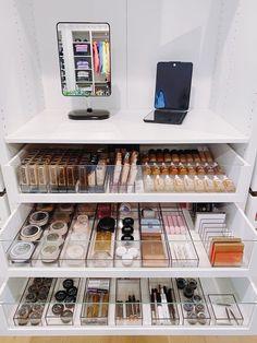 Beauty Room Decor, Makeup Room Decor, Makeup Rooms, Makeup Beauty Room, Makeup Storage Organization, Organization Ideas, Beauty Storage Ideas, Makeup Palette Storage, Makeup Storage Drawers