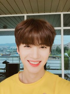 Happy birthday to Yan An (Yanan). Sub-vocalist and visual for Pentagon. * He is from Shanghai, China.