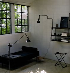 The shelving and lighting - using conduit = like! Interior Architecture, Interior And Exterior, Lampe Gras, Vintage Fans, Interior Decorating, Interior Design, Industrial Lighting, Beautiful Interiors, Shelving