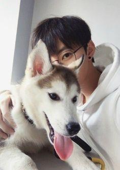 ulzzang boy with dog Korean Boys Ulzzang, Ulzzang Couple, Ulzzang Boy, Korean Men, Korean Girl, Cute Asian Guys, Cute Korean Boys, Asian Boys, Asian Men
