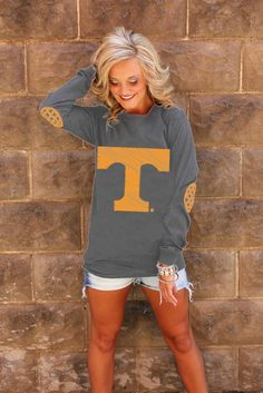 TENNESSEE BLACK AND WHITE ELBOW PATCH TEE I want one of these