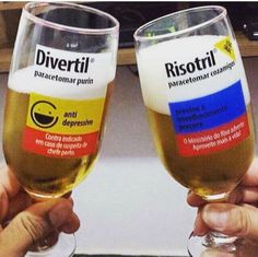 Special glasses - medical school. Copos e taças especiais para formatura de medicina.