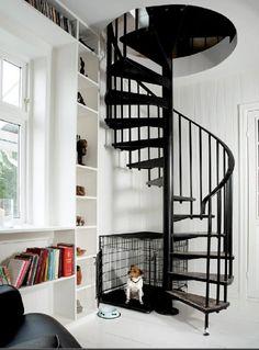 Först hade jag bestämt att trappan skulle vara vitlaserad ek, men nu tror jag valet blir svartlaserad ek istället?