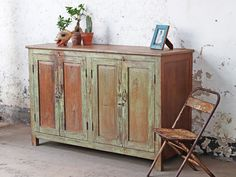 This superb large vintage sideboard has a distinctive shabby chic green texture. If you need a raft of new storage space for your bits and pieces, then this wonderful teak hardwood cabinet could be for you! #kitcheninspo #kitchenfurniture #vintagekitchen #woodenfurniture #kitchenstorage #wallcabinet #greenfurniture Vintage Bedroom Furniture, Green Furniture, Bedroom Vintage, Repurposed Furniture, Shabby Chic Furniture, Kitchen Furniture, Painted Furniture, Shabby Chic Green, Shabby Chic Kitchen
