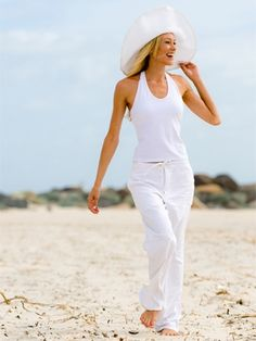 This #white outfit would look so great on Clearwater Beach.  Check out The Best Beach Accessories