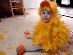 DIY Baby Chick Costume (via HipChickDigs)