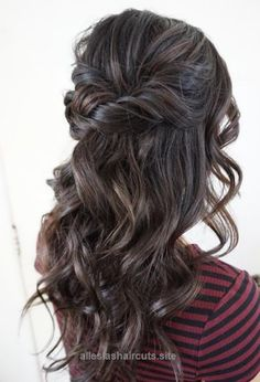 Insane Featured Hairstyle: Heidi Marie (Garrett) Villa – Hair and Makeup Girl; Wedding hairstyle idea. The post Featured Hairstyle: Heidi Marie (Garrett) Villa – Hair and Makeup Girl; Weddin ..