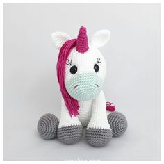 Amigurumi Crochet Oyuncak Tek Boynuzlu At (Unicorn) Pattern Yapılışı Crochet Diy, Bonnet Crochet, Crochet Dolls, Crochet Unicorn Pattern, Crochet Horse, Crochet Amigurumi Free Patterns, Crochet Animals, How To Make Toys, Amigurumi Toys
