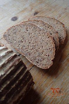 Kváskový chlieb z ražnej múky s ľanovými semiačkami - Sisters Bakery Bakery, Health Fitness, Food And Drink, Bread, Sisters, Brot, Baking, Breads, Fitness