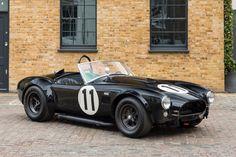 Deze AC Cobra metnummer CSX 2484 wordt in Engeland te koop aangeboden doorFiskens. In juni 1964 werd deze gefactureerd aan Shelby America en nieuw...
