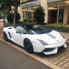 Good to see a Lamborghini Gallardo LP570-4 Spyder Performante again! This might be the exact same one I drove back in 2013 | Photo via @hasan_haff35 | #ExoticSpotSA #Zero2Turbo #SouthAfrica #Lamborghini #Gallardo #LP570 #Spyder #Performante