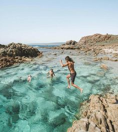 Awesome places to visit in Western Australia - Hostelworld- Crystal Dive Koh Tao Australia Honeymoon, Australia Beach, Visit Australia, Australia Travel, Perth Western Australia, Queensland Australia, Victoria Australia, Vacation Places, Dream Vacations