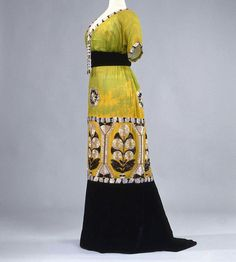 Evening dress, ca. 1913 Costume Gallery at the Palazzo Pitti.