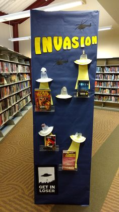 Book library summer 38 Ideas for 2019 School Library Decor, Library Themes, Library Books, Library Ideas, Teen Library Space, Teen Library Displays, School Displays, Library Science, Library Activities