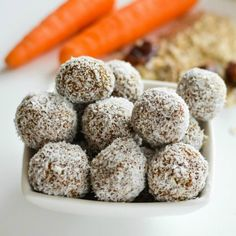 Carrot Cake Energy Bites Carrot oat energy bites, healthy no bake nut-free energy ball for kids and a perfect healthy Christmas treat, Reindeer Food Healthy Lunch For School, Healthy Snacks For Kids, Healthy Treats, Healthy Baking, Healthy Dinner Recipes, Vegan Recipes, Healthy Breakfasts, Healthy Summer, Delicious Recipes