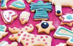 Prøv denne lækre dej med børnene i køkkenet. Mulighederne er uendelige og det er kun fantasien som sætter grænser. Hvem kan lave de flotteste figurkager?