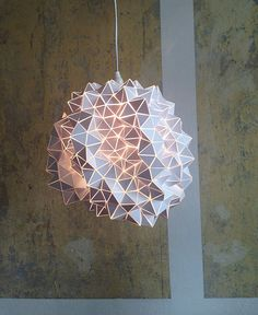 White Geodesic Pendant Lamp/Sculpture one of a kind von BrittaGould, €250.00