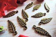 Blaadjes - Antieke messing blaadjes charme sieraden maken - Een uniek product van francois2017 op DaWanda