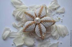 Saretta in serendipity....craftroom79: Fiore di perline tecnica raw e peyote