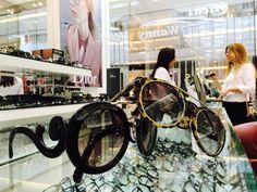 Esses redondinhos... #amomuito #oticaswanny #jk #jkiguatemi #prada #tomford #sunglasses #round #tendencia #moda #fashion #barroco